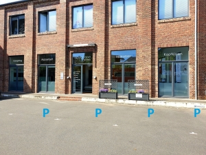 Parkplätze vor dem Ladenlokal